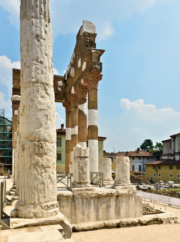 Brescia le colonne del capitolium dizy foto for Aggiornare le colonne del portico