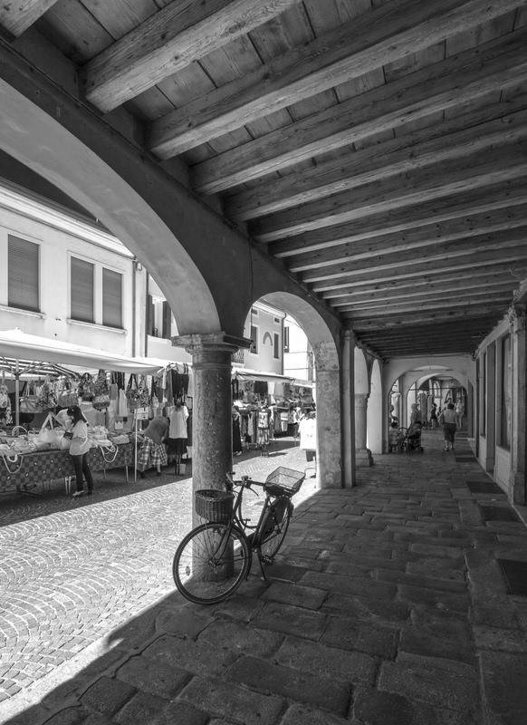Sotto il portico - Dizy Foto