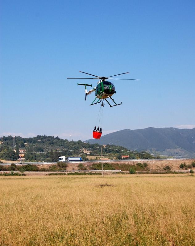 Elicottero In Inglese : Elicottero forestale dizy foto