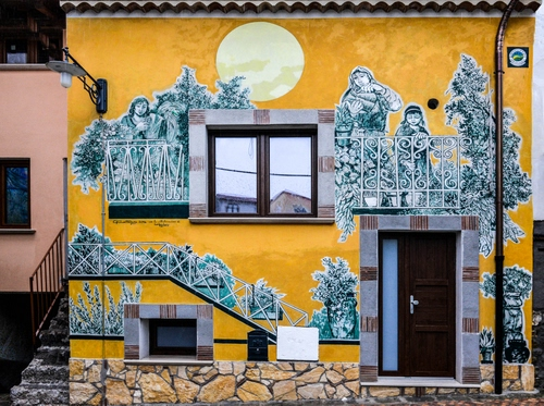 Satriano Di Lucania Murales.Una Casa Murales A Satriano Di Lucania Dizy Foto